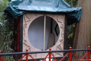 decorative moon-gate supports complete - 14th Oct