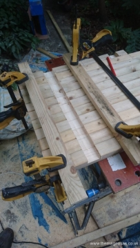 Routing footway pieces